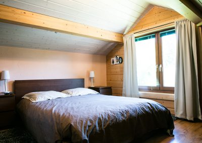 Rénovation globale d'un galetas froid devenant une magnifique chambre à coucher